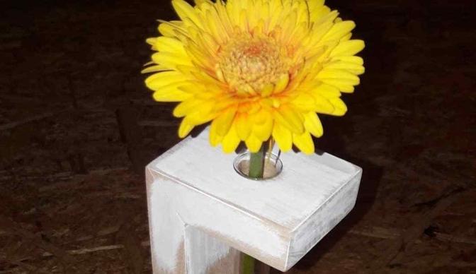 Vase aus Holz / Blumenständer / DIY